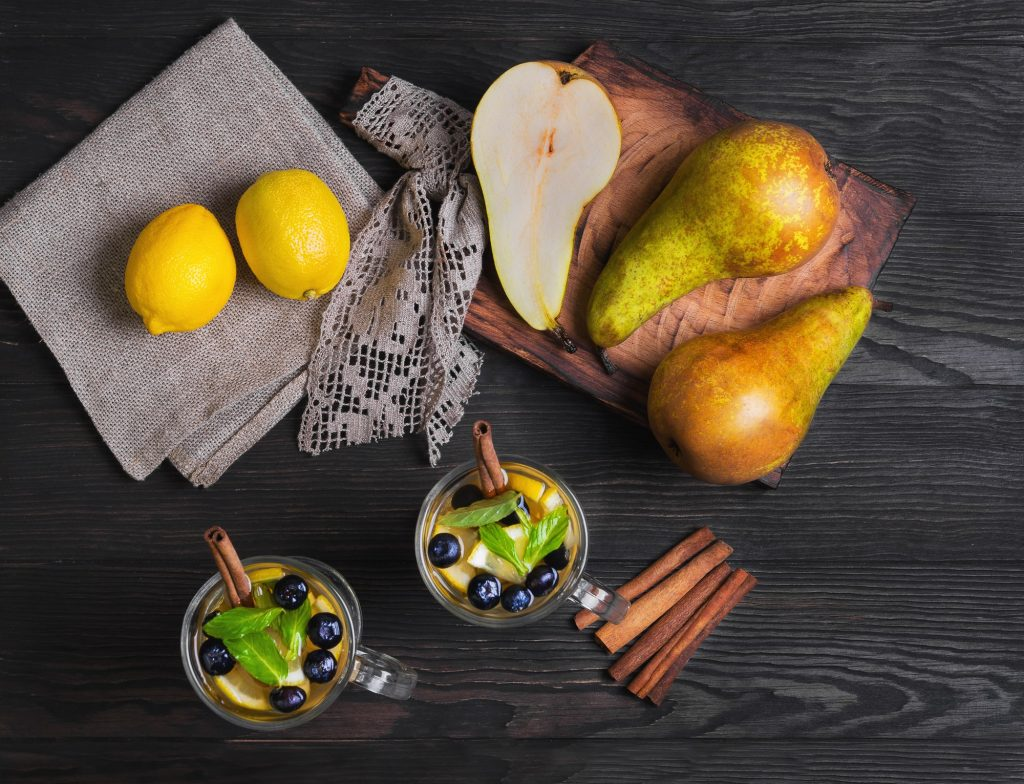 Pears and non-alcoholic mixed drinks